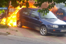 Mașini incendiate de… Dorel