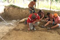 Continuă săpăturile arheologice de la Poiana Cireșului