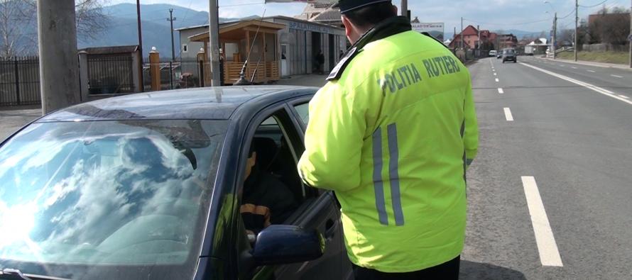 """3 șoferi """"aghezmuiți"""" s-au urcat la volan, dar au fost trași pe dreapta de polițiști"""