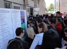 AJOFM Neamț: 863 de locuri de muncă vacante înregistrate la data de 20 mai
