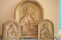 """Expoziţie de icoane sculptate la Biblioteca Judeţeană """"G. T. Kirileanu"""""""