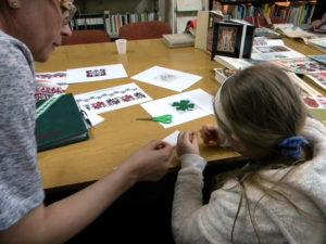 Atelier de mestesuguri la Biblioteca Judeteana