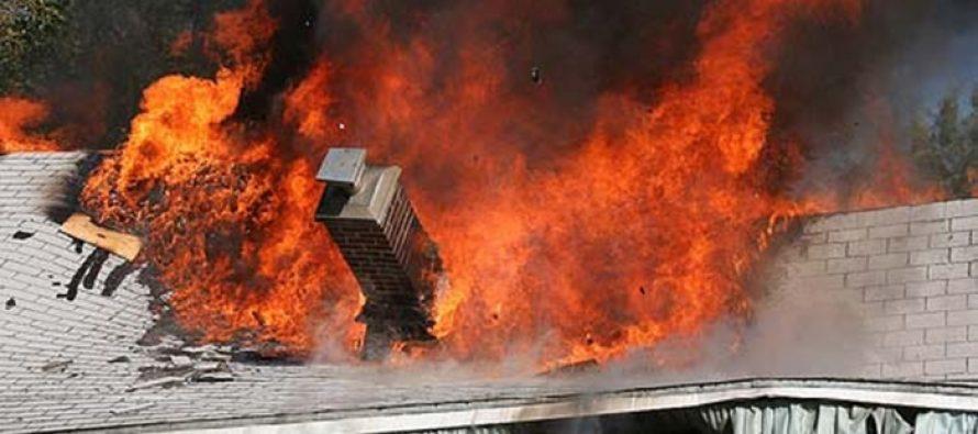 O locuință din Piatra Șoimului a luat foc din cauza unui coș de fum