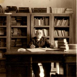 G. T. Kirileanu la birou