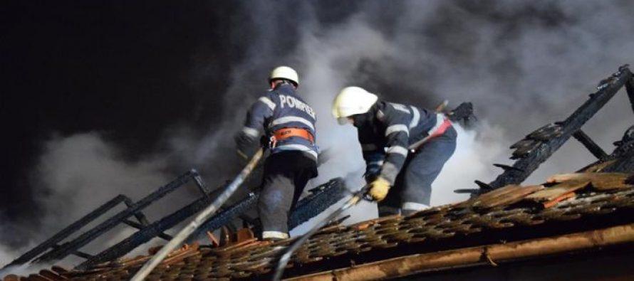 O locuință din Borlești a luat foc din cauza unui burlan de evacuare fum