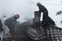 Incendiu de la un coş de fum necuraţat