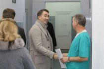 19,8 milioane de euro pentru dotarea spitalelor judeţene cu aparatură medicală şi imagistică. Spitalul Judeţean Neamţ va beneficia de un aparat RMN.