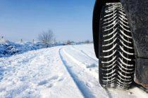 IPJ Neamţ: Utilizarea anvelopelor de iarnă este obligatorie, pe drumuri acoperite cu zăpadă, gheaţă sau polei!