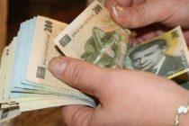 Bonă care fura banii din casă, prinsă în flagrant de polițiști