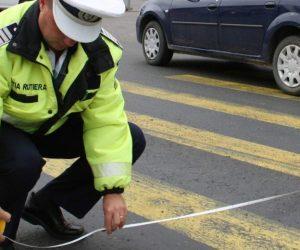 Bărbat de 77 de ani a accidentat doi tineri pe trecerea de pietoni