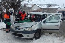 Accident rutier cu victimă încarcerată, în mun. Roman