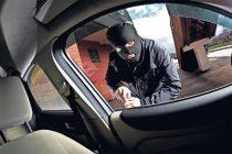 Tânăr de 15 ani reținut de polițiști pentru săvârșirea infracțiunilor de furt de auto și tâlhărie