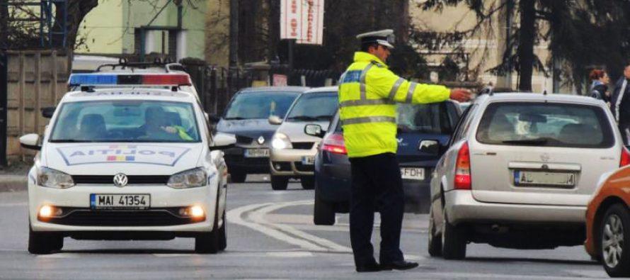 I-a dat mașina unei minore fără permis să o conducă și s-au ales amândoi cu dosar penal