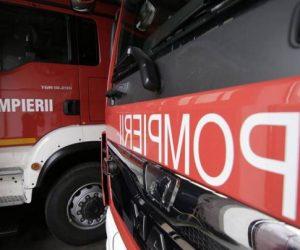 Incendiu la un atelier auto din Tg. Neamț