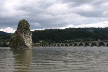 Fenomenul de zăpor pe râul Bistrița, monitorizat de ISU Neamţ