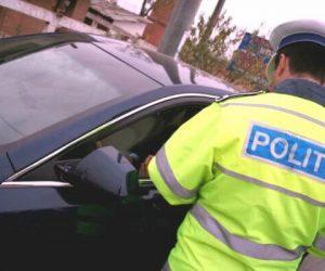 S-a urcat la volan fără permis și a fost prins de polițiști