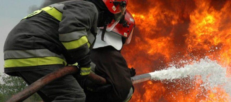 O autoutilitară a luat foc din cauza unui scurtcircuit electric