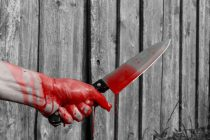 Un bărbat din Făurei a înjunghiat cu un cuțit concubinul mamei
