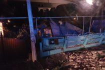 O explozie puternică a zdruncinat casa unei bătrâne din Roman
