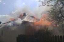 Incendiu la o magazie de lemne în comuna Rediu