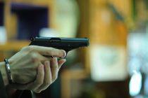 Arestaţi după un scandal cu împuşcături, în Piatra Neamţ