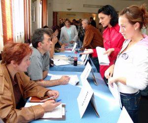 AJOFM Neamţ: beneficii la angajare pentru absolvenţii de liceu