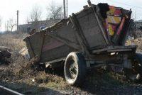 O persoană decedată și 3 victime în urma unui accident între o căruță și un autoturism
