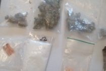 Reţinuţi pentru trafic de droguri de mare risc