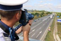Radar cu sistem laser achiziţionat de Poliţia Rutieră Neamţ. În doar 2 ore au fost suspendate 21 de permise din cauza vitezei.