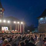 7.2. Public de la concertul orchestrei simfonice studențești dirijat[ de Bogdan Chiroșcă