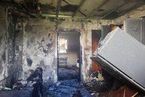 Un bărbat din Piatra Neamţ şi-a incendiat propria locuinţă