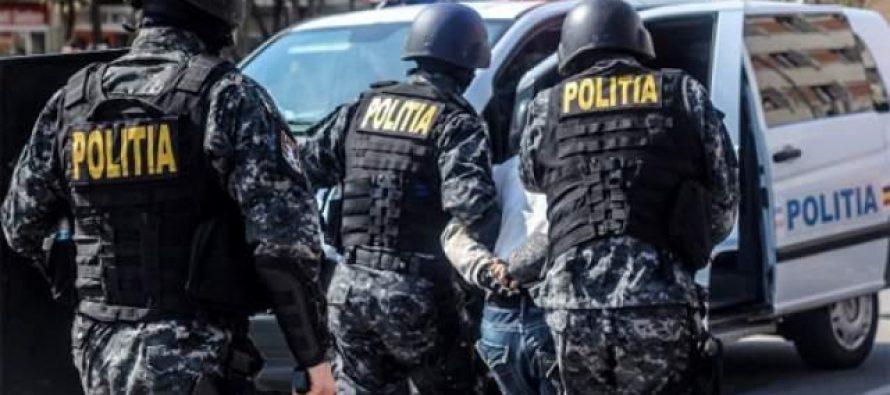 Percheziții efectuate de polițiști la locuințele unor persoane bănuite de mai multe furturi
