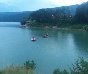 Un bărbat a murit înecat în Lacul Izvorul Muntelui