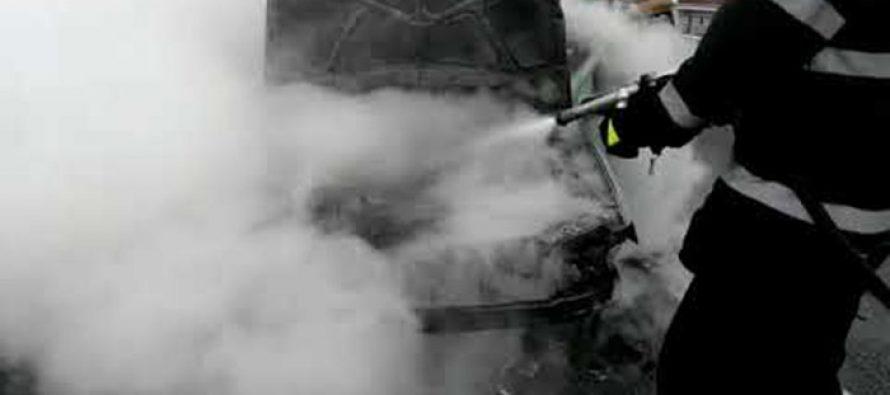 Un autoturism a ars din cauza unui scurtcircuit, în comuna Săbăoani