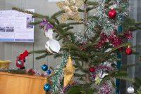 Bradul de Crăciun de la Biblioteca Județeană donat de Direcția Silvică Neamț
