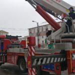 Pompieri turturi de gheata