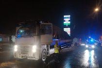 Șoferul care a distrus cu TIR-ul despărțitoarele de sens la Roman era băut