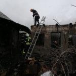 Incendiu locuinta Candesti 2