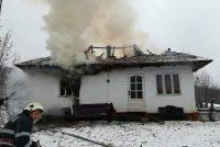 Incendiu la o locuință din comuna Pipirig, o victimă prezintă multiple arsuri pe corp