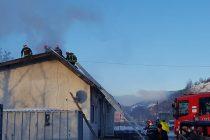 Un atelier de producție peleți din Viișoara a luat foc