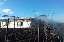 Incendiu violent la o locuință din Dumbrava Roșie, sat Izvoare
