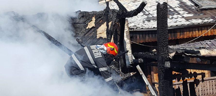 Incendiu la o anexă gospodărească în comuna Bălțătești
