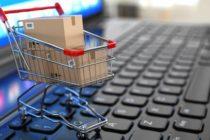 O femeie a făcut cumpărături online cu identități false și a fost reținută de polițiști