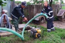 Inundații în mai multe localități din Neamț în urma ploilor abundente