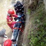 Persoana cazut in canal betonat (3)