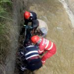 Persoana cazut in canal betonat (4)