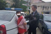 Individ agresiv, cu tulburări de comportament, dus de polițiștii locali la Psihiatrie