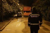 Pompierii nemțeni solicitați să scoată apa din gospodării după ploile torentiale de ieri seara