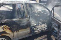 Un autoturism a luat foc într-un garaj, un copil a suferit arsuri de gradul I