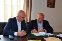 Încă două contracte cu finanțare europeană semnate la primăria Piatra Neamț